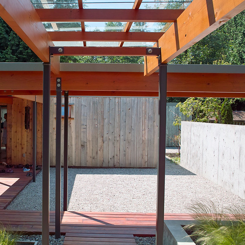 Covered Walkway Designs For Homes: Glass Covered Walkway To New House