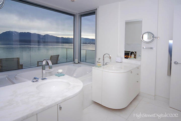 3333 point grey - ensuite