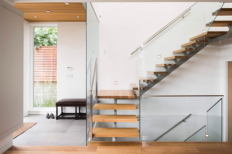 3834 heather - entry and stairs