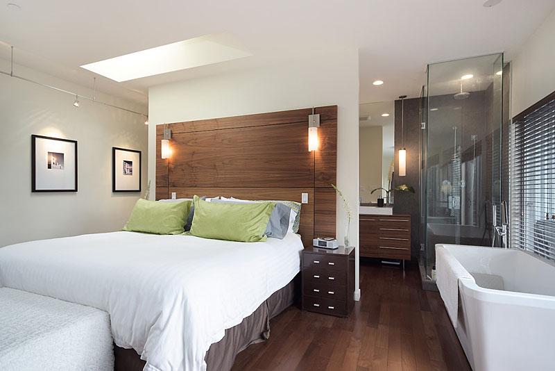 1007  west 26th - bedroom