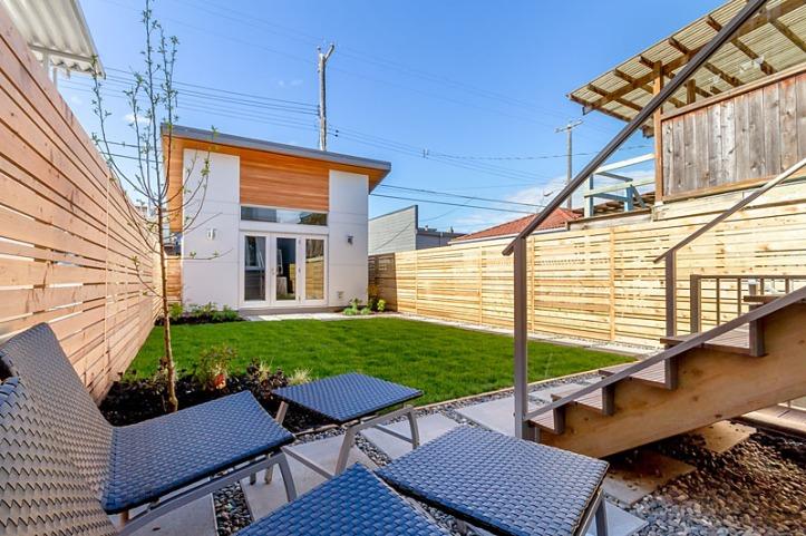 4451 walden- backyard