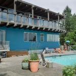 croll residence - curvy deck