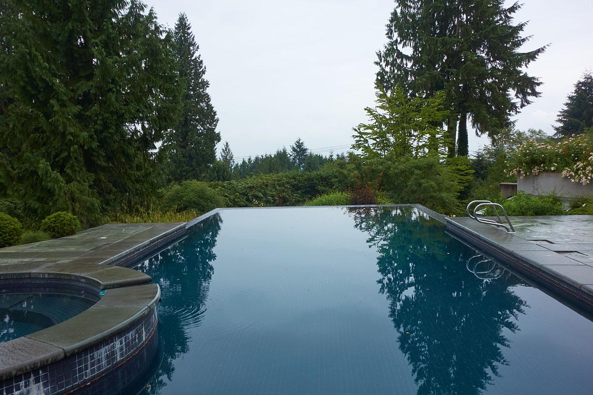 Savics residence modern vancouver houses for Pool design vancouver