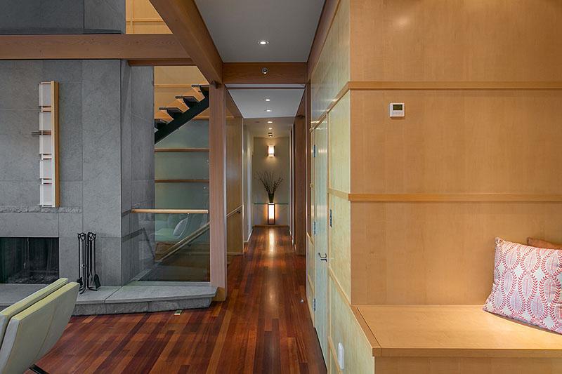 1122 alderside - living room